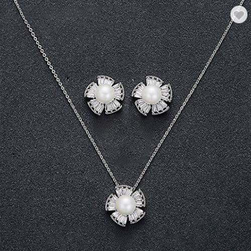 Classic Pearl Silver Plated Crystal Pendant Set