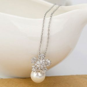 Stunning Pearl Crystal Pendant Necklace Chain 2