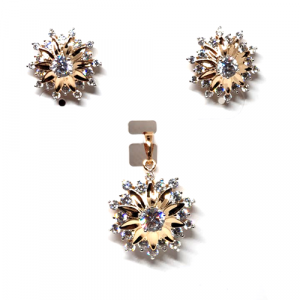 Beautiful Shinning  Goldplated Crystal Stone Locket Set With Chain