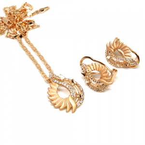 Goldplated Dull N Shine Style Floral Locket Set With Chain