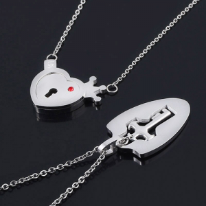 MIDY-Lovers-Jewelry-Crown-Love-Heart-Necklaces-Set-Key-Pendant-Stainless-Steel-Choker-Necklace-Couples-Valentine-(2)
