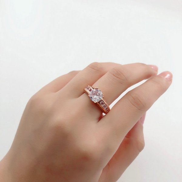 Beautiful Rose Gold Crystal Stone Ring 3