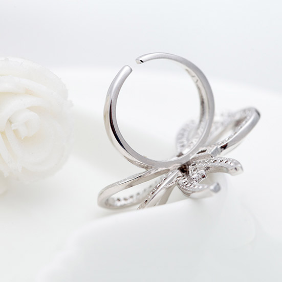 Stunning Knot Style Silver Plated Ring For Women 4