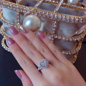 Beautiful Crystal Heart Ring For Women 3