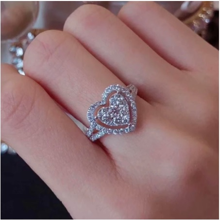Beautiful Crystal Heart Ring For Women